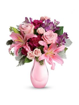 Bunch of Charming Pink Roses in Vase